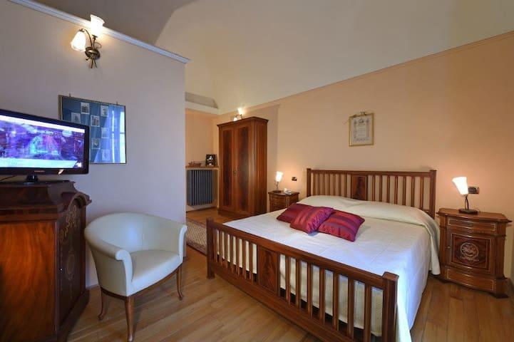 Villa Durando - Stanza del piccolo stemma Regno - Mondovì - Bed & Breakfast
