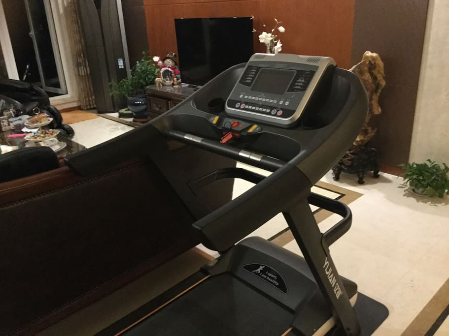 客厅跑步机