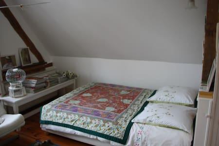 Chambre indépendante chez l'habitant - Bellou