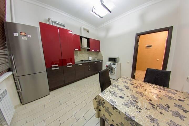 Светлая квартира с большой кухней