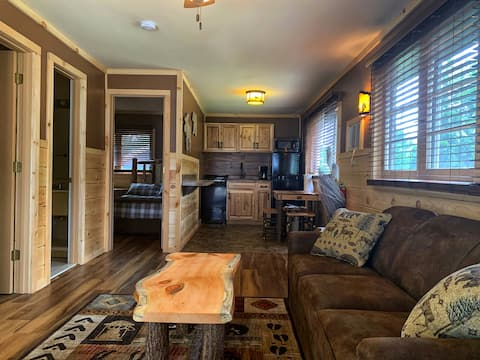 Cozy Adirondack Cabin with Great Amenities, 2