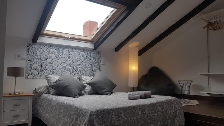 Apartamento ideal parejas, con WIFI y aparcamiento