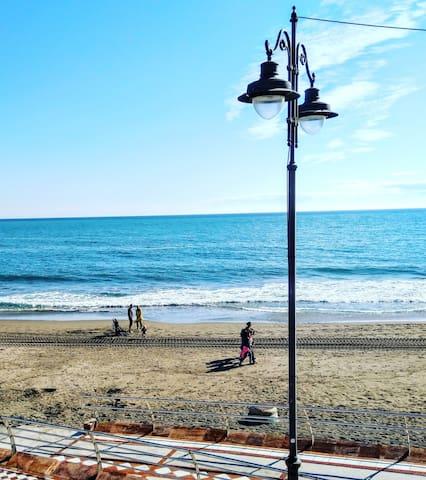 4 de diciembre en playa santa Ana. Viva Benalmádena costa en invierno