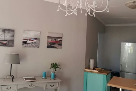 Lavender Garden Cottage - Port Elizabeth