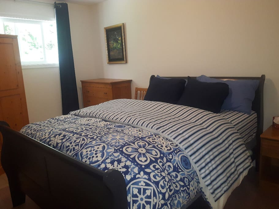 1st Bedroom Comfy new bed & new duvet queen size