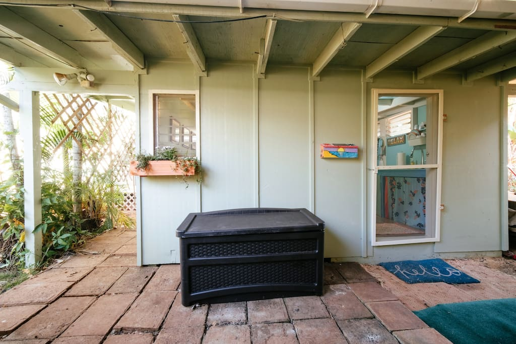 The Ultimate Teeny, Tiny House, located in a quiet, friendly neighborhood! There is a front door for privacy....in this photo, the door is open with only screen door closed.