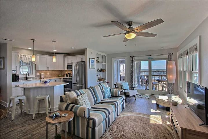 Beach Glass: OCEANFRONT Condo in Avon w/Community Pool