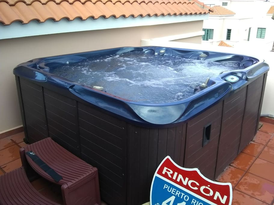 Private jacuzzi on 3rd floor