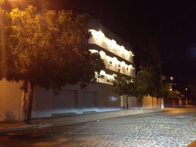 (Flat 34) La Maison Blanche Condomínio.