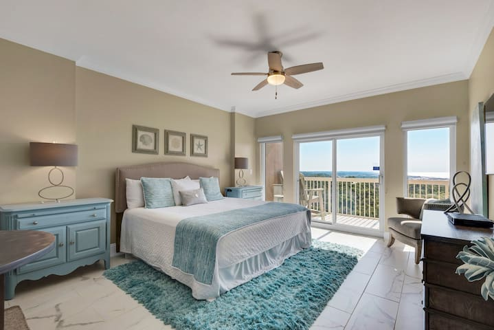 Splendid studio near the beach w/shared tennis court, outdoor pool, and hot tub