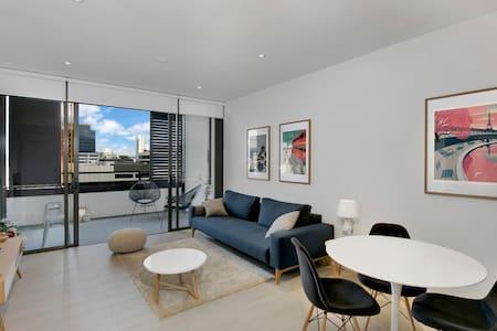 Stunning New Modern Apartment  Superb Location - Newstead - Appartement