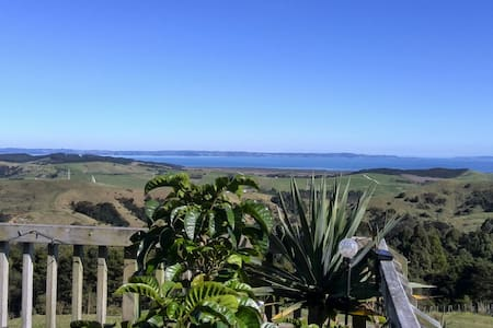 Kaipara Views Eco Lodge with a view - Glorit