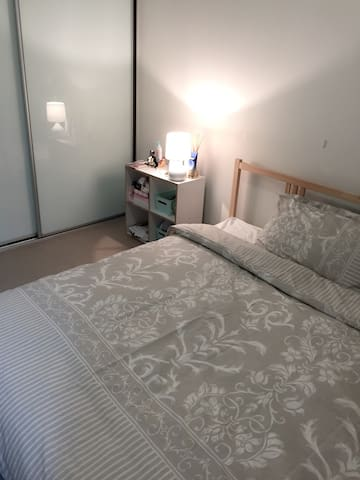 CITY PRIVATE MASTER BEDROOM (1-2pp) - Sydney - Leilighet