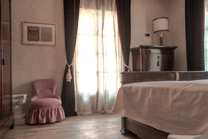 B&B Le Stanze della Musica, Alba IT - Borgomale - Bed & Breakfast