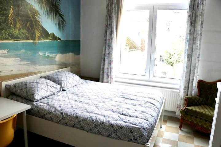 !Charming private bedroom in heart of BRUSSELS! ii