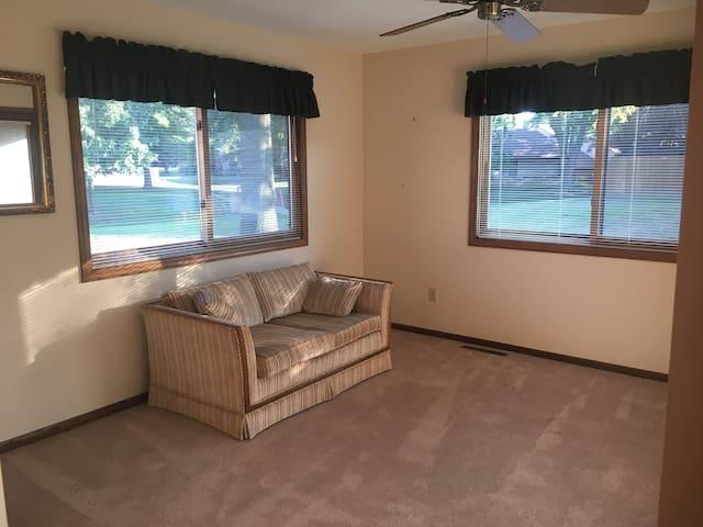 Bonus room off living room - open to back porch