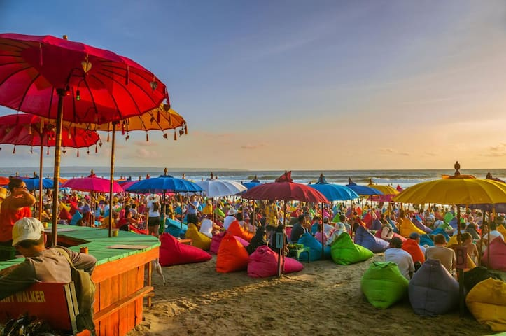 La Plancha is 7 mins away from Arli Villa  An absolute colorful beach shack, La Plancha is a beachfront restaurant of the famous Seminyak's surf break & best sunset point. It is a very popular spot for tourist, it has over 7,000 review on Google Maps
