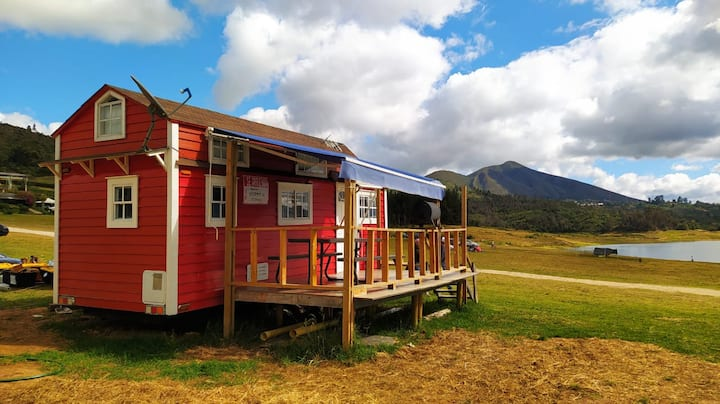 Red Tiny House Tomine