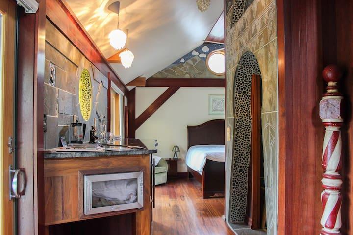 The Finger Lakes Room @ New Park Retreat