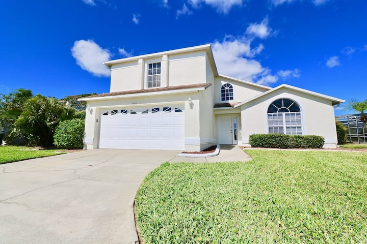 Lovely Cheerful Home Near Disney Lake View and Pool