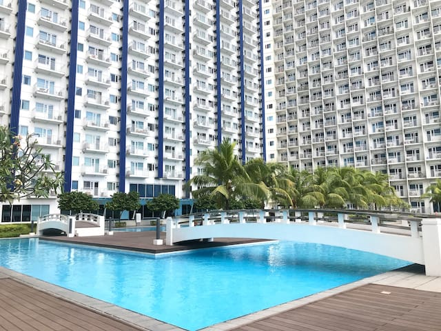 SM Jazz Condo-Makati 1 BR w/Balcony LONG TERM STAY