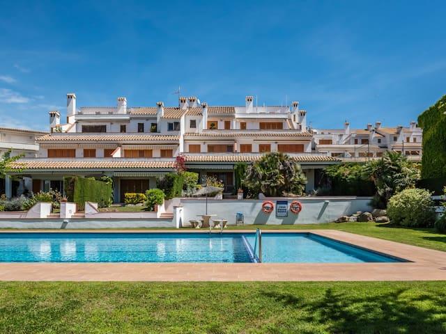 Appartement avec piscine commune et tennis à S'Agaró