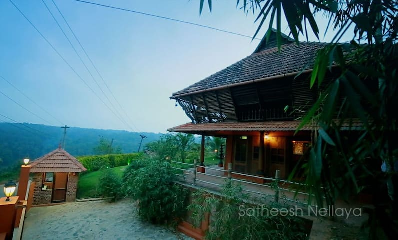 Illam Heritage 2 bedroom wooden cottage