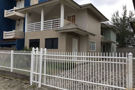Casa beira mar Balneário Arroio do Silva