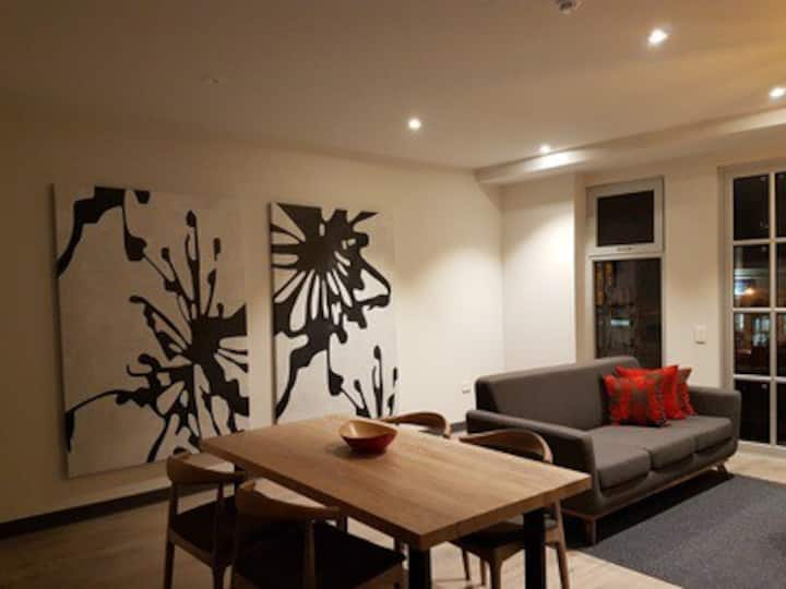 Semaphore Road Stylish 1-Bedroom Apartment