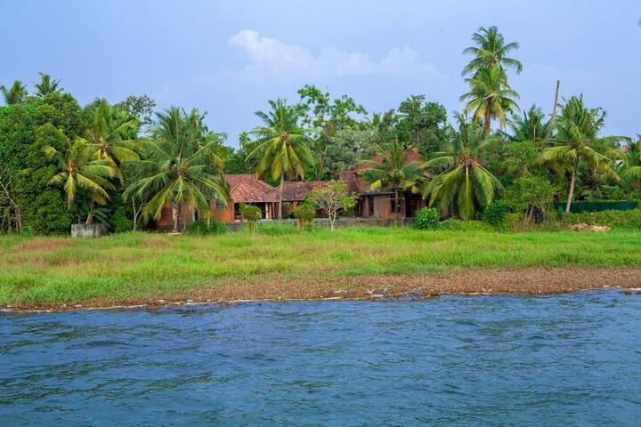 Vinca Lake House, Kumarakom, Kottyam, Kerala
