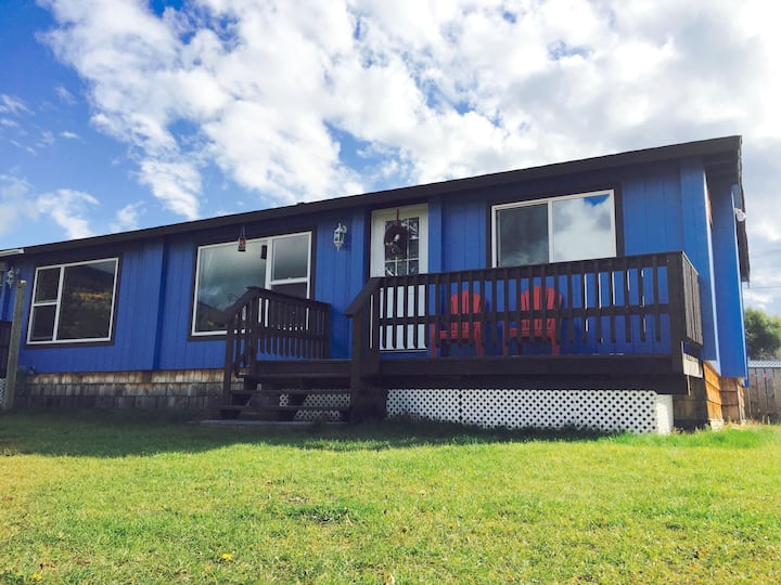 Hiker House: Two Bedroom Fully Furnished Home
