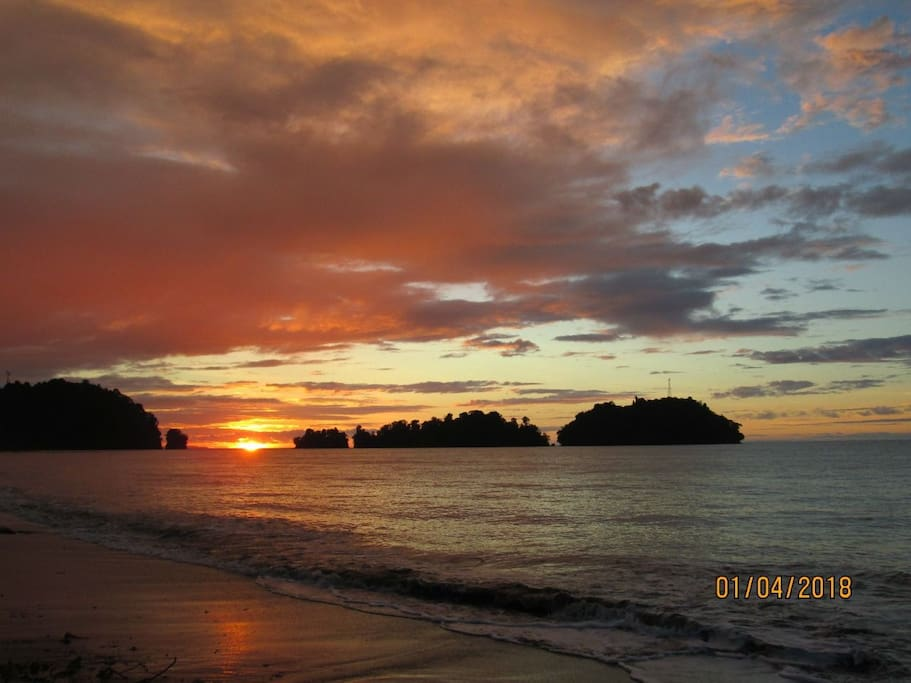 Nuqui beach's sunset