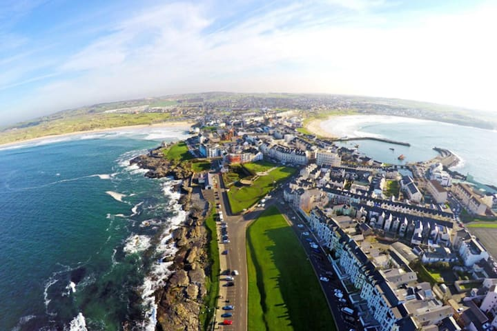 Sea view- Portrush paradise apartment!