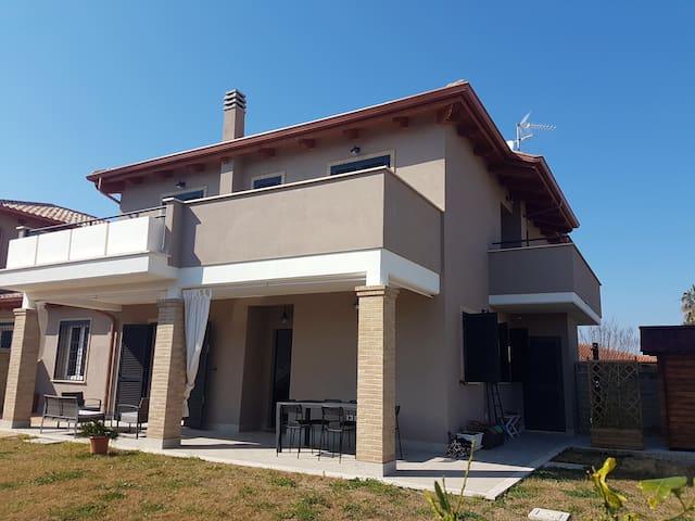 Villa Anzio Via Casal di Claudia , Miglioramento