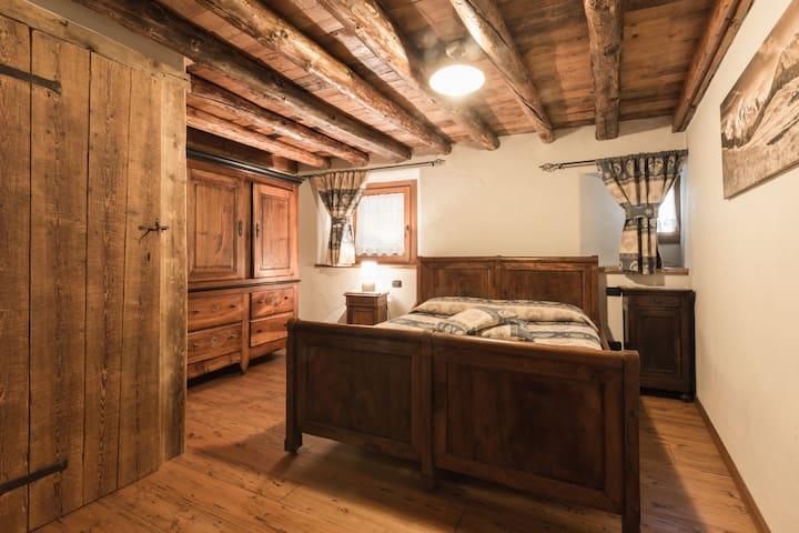 Ristrutturazione vecchio fienile - Charvensod - Apartment