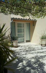 Villa entre mer-garrigue, entre Montpellier-Nîmes - Aubais