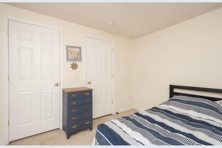🛌 Small Private Room in Newmarket 🇺🇸