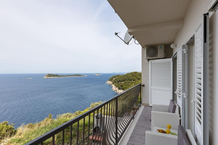 Apartments Manuela - One-Bedroom Apartment with Balcony and Sea View (A2+2)