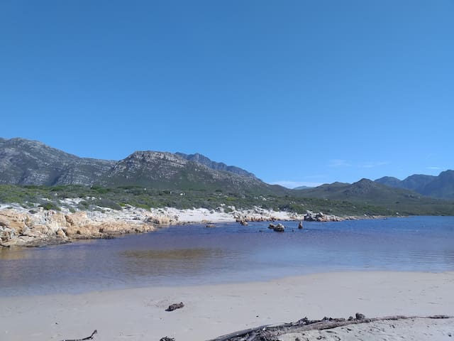 "Kleinmond, Overberg - ""Nature's Haven"" cottage"