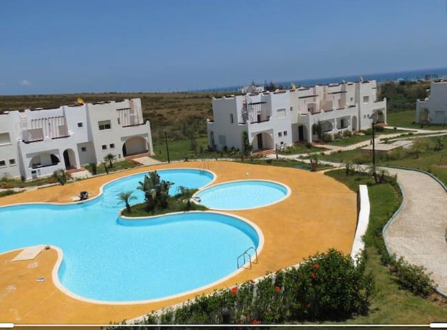 AlCudia Smir, Poolside Family villa, walk to Beach