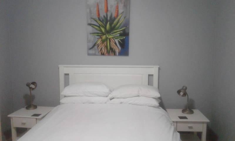 Kay's Sleep Inn - Self Catering Apartment