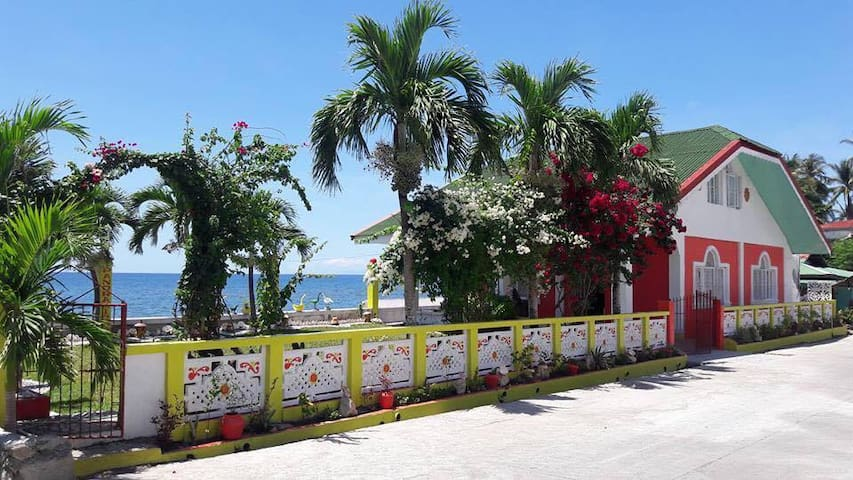 Panoramic Beach House in Gasan, Marinduque
