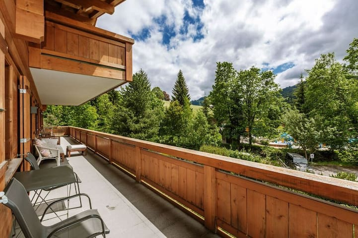 Gstaad Perfect Winter Luxury Flat with Great Views
