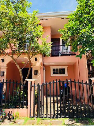 세부 막탄 코르도바 알리그리아 빌리지 2층집 입니다 :)