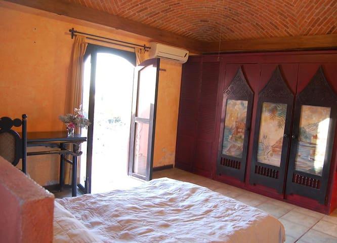 Fully equiped house in serene neighborhood - Сан-Мигель-де-Альенде - Квартира
