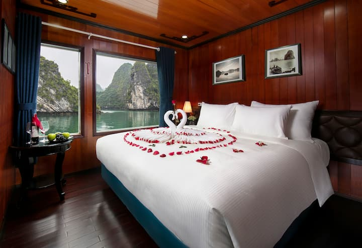Halong 2 days 1 night -  Flamingo Cruise 4****