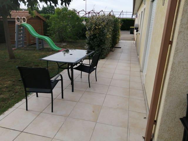 Loue maison avec piscine