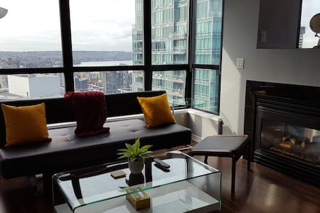 Downtown Vancouver Condo with Million Dollar Views - Vancouver - Apartment