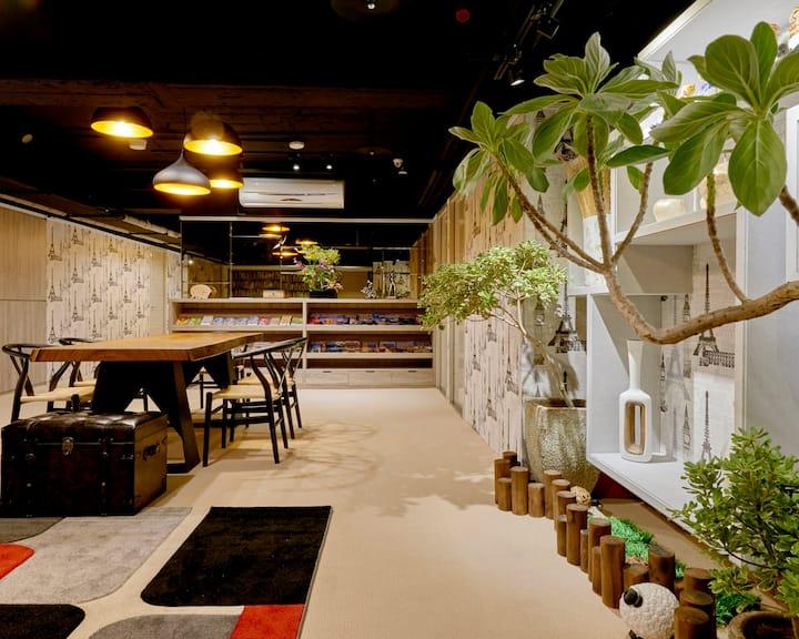 松江南京捷運站1分鐘 │市中心電梯明亮日式雙人房
