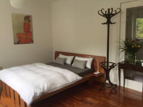 En-suite Privatzimmer im Zentrum von Laas